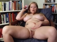 OBESE BLOND DANIELLE K PLAY WITH HER TOY