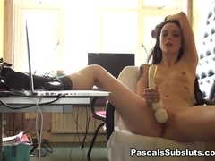 Alessa: likes wanking to girls crying in porn - PascalSsubsluts