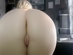 Horny Mature Woman Shows Her Great Ass And Pussy For Watchers On Webcam Chat
