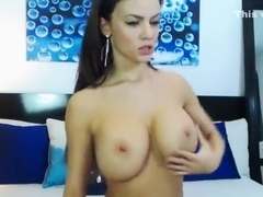 Beauty Raisabella playing with his nipples