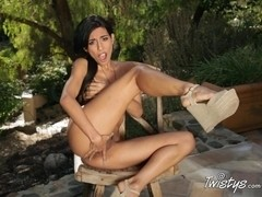 TwistysNetwork Video: Patio Play Time!