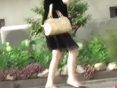 No panties sharking happened to this classy lady in a hurry