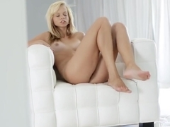 The benefits of masturbating in front of mirror