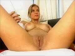 wcg: latin babe with da body on a pole (the squirting)