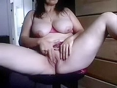 Busty mature darksome brown rubs her drooling clam on webcam