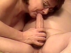 This free homemade mature porn is made with a webcam. I'm getting my wang sucked by a mature slut .