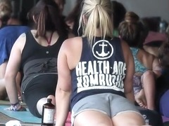 Peeping on hot yoga girls