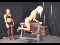 Curvy dominatrix gives a torture treatment