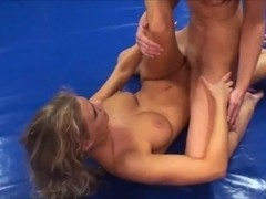 blonde vs brunette great sexfight and tribbing