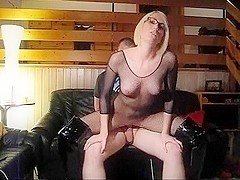 Fetish babe rides guy's dick