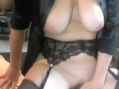 Amateur wife made him cum on her pussy