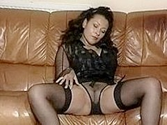 Latina milf posing on home cam