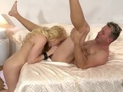Lola Taylor gives deep throat to lover
