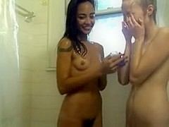Intimate shower time lesbo show