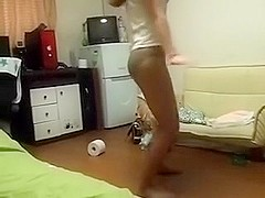Hot Korean chick sets to entice me by passionate dancing
