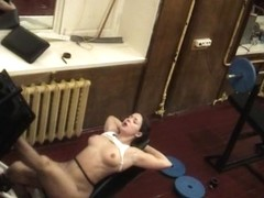 Voyeur vid in the gym