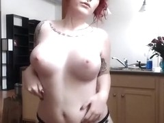 Amazing Solo Girl, Strip adult scene