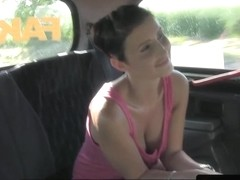 Czech taxi babe gives head to pay cabfare