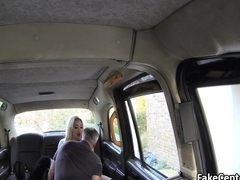 Slut got anal and facial in taxi