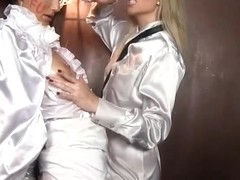 twoo lesbian babes cutie in the elevator