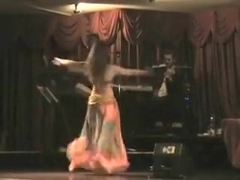 Awesome amateur video with a gorgeous belly dancer