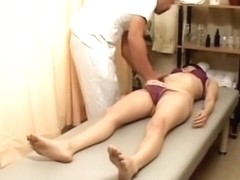 Relaxing oily massage turns into hardcore Japanese fucking