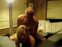 Teen gf gets it in the caboose