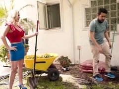 Alena Croft In Getting Dirty With Ms Croft
