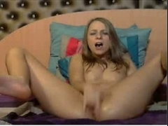 Cam girls finger fucks pussy until she Squirts! Part 2
