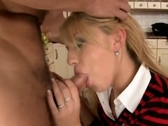 Teen blondie Niki Sand banged in the kitchen