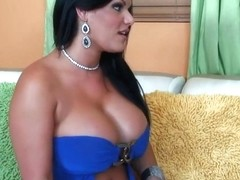 Thick latina chick swallows cum