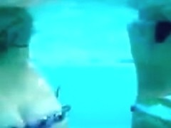 Butt shaking Underwater