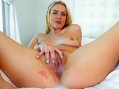 Cosima Knight inBlond Bath - PassionHD Video