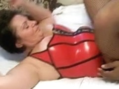 canadian cougaranne receives her snatch used by black cock