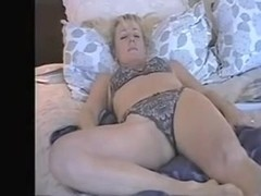 mature wife enjoys dildo