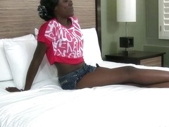 Raven Uneek in Dark Skinned Babe Loves Cock