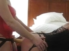 Beauty Copulates Her HAWT BF with Belt-on Vibrator