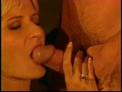 Golden-Haired receives cunt licked and drilled outdoors