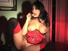 Beguiling and erotic star Gianna Lynn masturbates