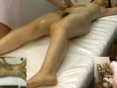 Japanese babe enjoys a sensual sex massage
