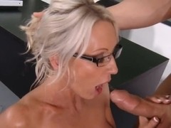 Blonde slut Emma Starr spreads her legs wide as she gets fucked