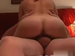 Just listen how this babe soflty groans as that babe rises to an agonorgasmos.