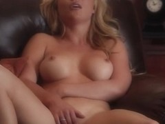 hot blonde strip her pussy