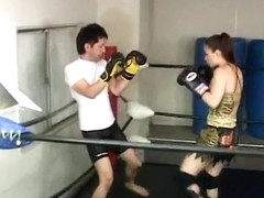 Hot Japanese boxers show their skills