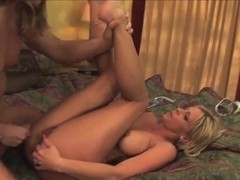 Blonde cougar Phyllisha Anne loves hard anal sex