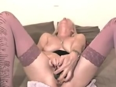 Blond Milf fuck 3 dildos in her pussy