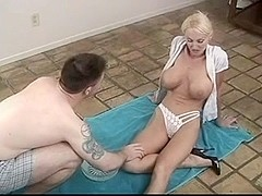 milf got pussy shaving before getting fucked