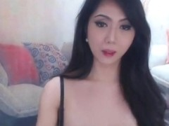 Captivating Tranny Bares Her Awesome Curves