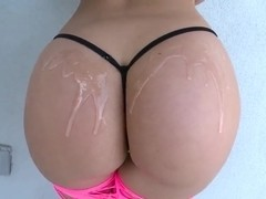 Remy La Croix oils and demonstrates great ass