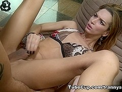 TrannySurprise - What a looker